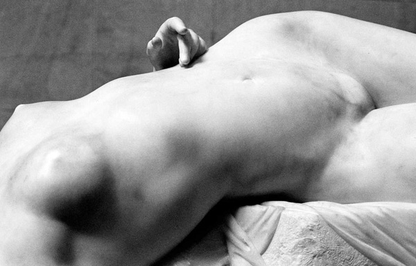 picture of la JeuneTarentine, figure photography, B&W, black & white, marble, musée d'Orsay, museum, natural light, nude photography, Paris, sculpture